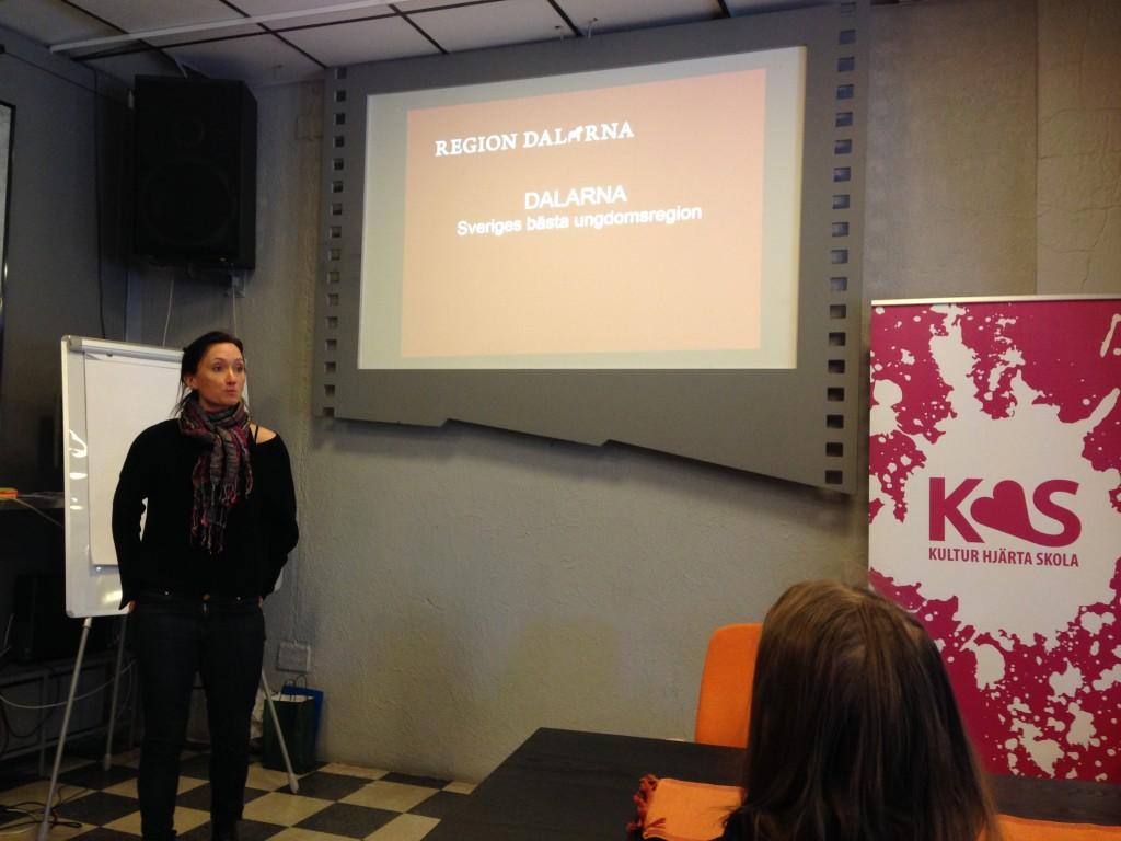 Unni Fredriksson (Region Dalarna) berättar om Dalarnas arbete som bästa region för barn och unga samt om PengaAkuten.